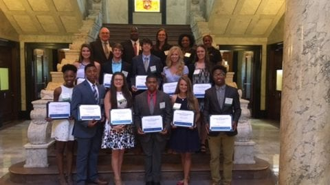Comcast Awards $19,000 in Scholarships to 19 Mississippi High School Seniors