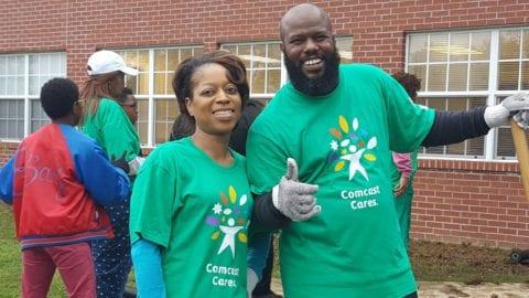Memphis Comcast Employee Celebrates 10 Years of Comcast Cares Days